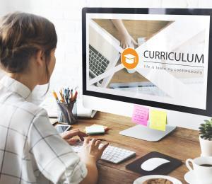 Se impone el estudio universitario en línea