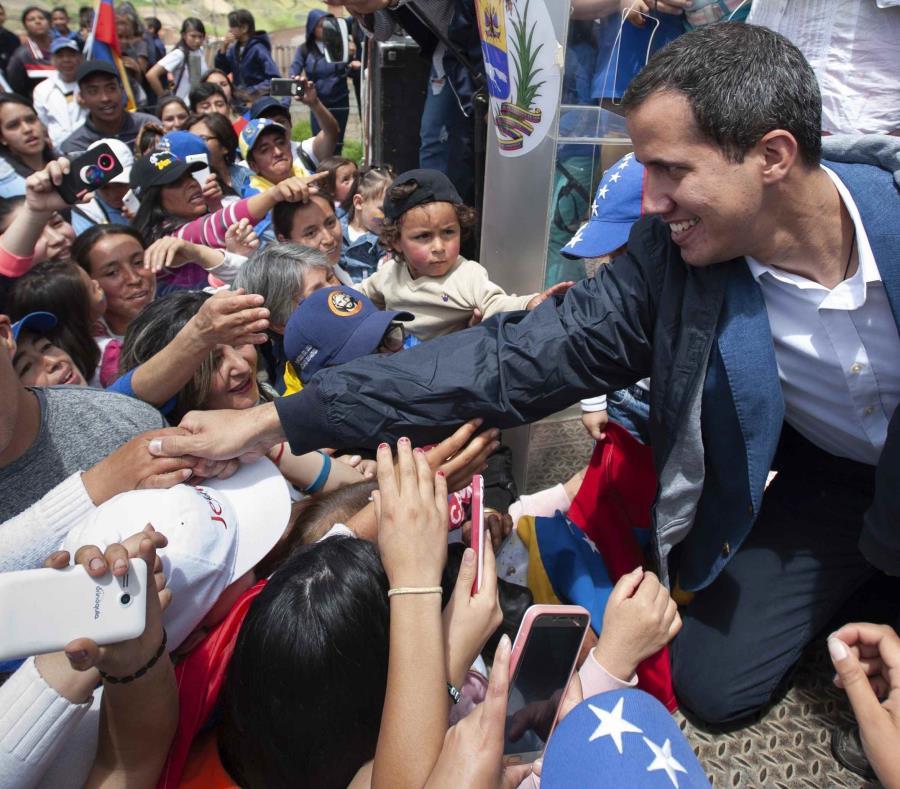 Fiscalía de Venezuela investigará a delegados de Guaidó acusados de malversación