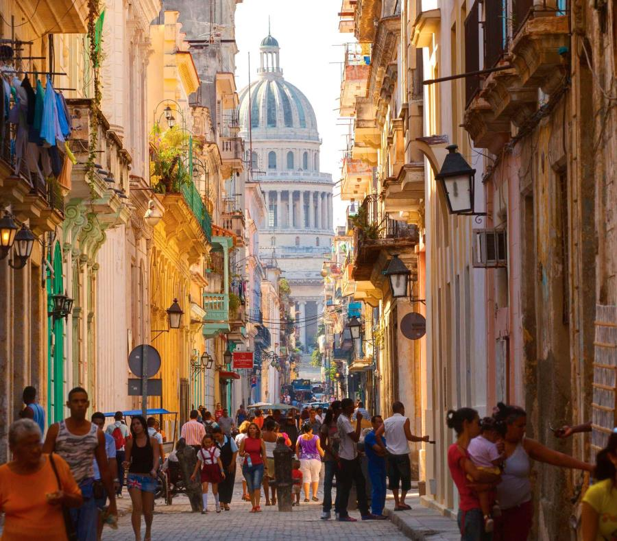 Una calle en La Habana (semisquare-x3)
