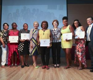 Celebran graduación de programas empresariales del Centro para Puerto Rico