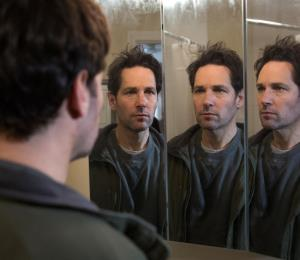 Paul Rudd entra a un spa y sale clonado en su más reciente comedia