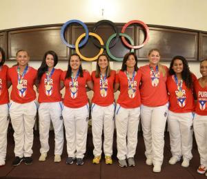 Reconocen a la Selección Nacional de sóftbol femenino