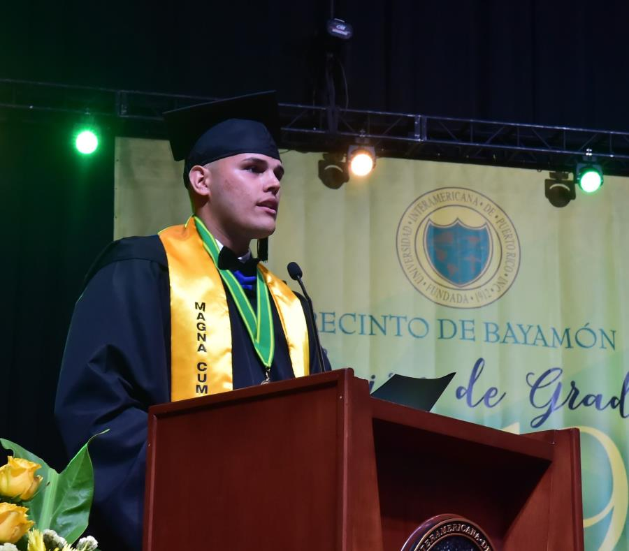 Edgardo Mercado Pérez fue el Graduado Distinguido de la XVVIII Colación de Grados del Recinto de Bayamón de la Universidad Interamericana de Puerto Rico. (Suministrada) (semisquare-x3)