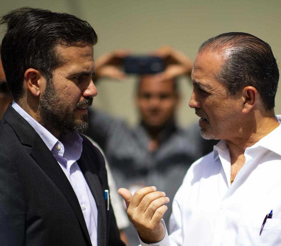 El gobernador Ricardo Rosselló junto a José Iván Marrero. (semisquare-x3)