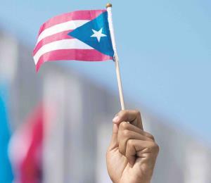 A izar la bandera