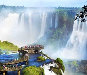 Cataratas de Iguazú maravilla  que rompe récords de  visitantes