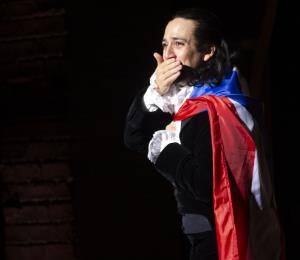 Adiós, Hamilton