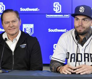 Scott Boras aconseja a no ayudar a los dueños de equipos de Grandes Ligas