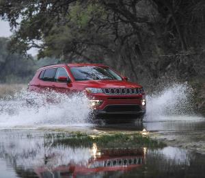 Jeep Compass nombrado Top Safety Pick 2017 por el IHSS