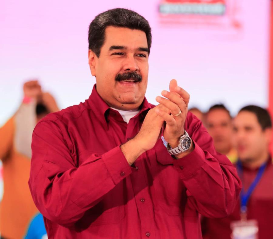 Nicolás Maduro viajó a China en busca de oxígeno para su plan económico. (semisquare-x3)