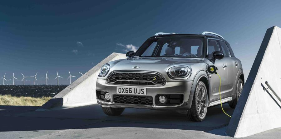 MINI Cooper S E Countryman ALL4 (horizontal-x3)