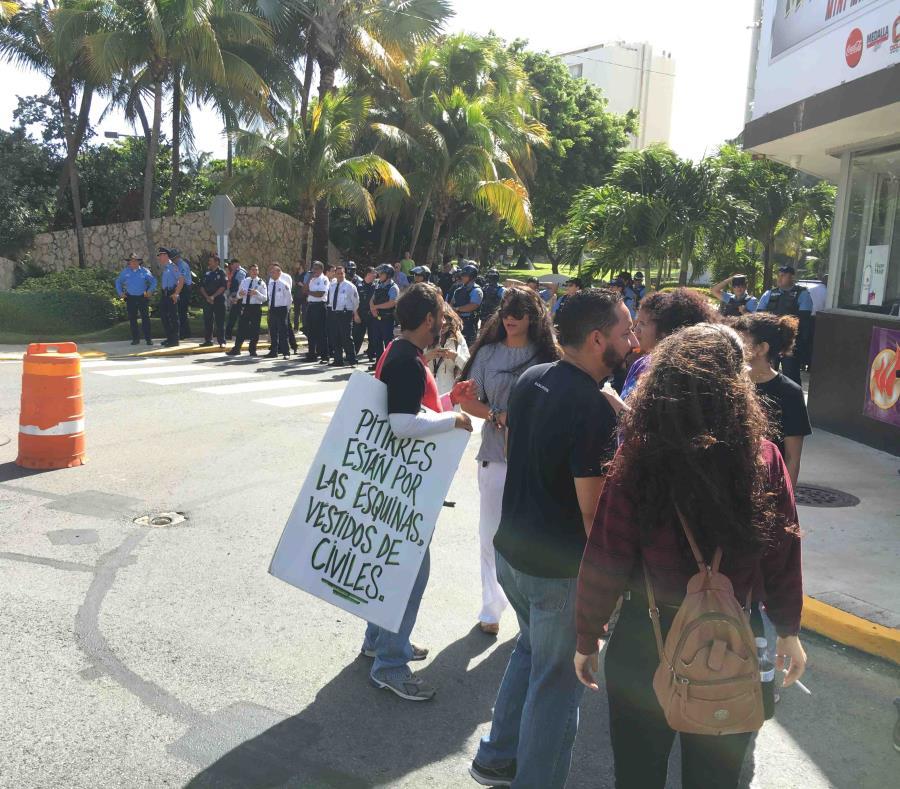 manifestantes (semisquare-x3)
