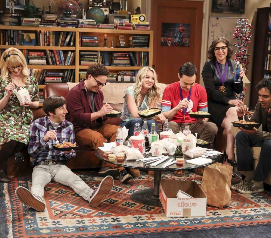 Foto proporcionada por CBS muestra a los personajes de la serie en su capítulo final. (AP) (semisquare-x3)