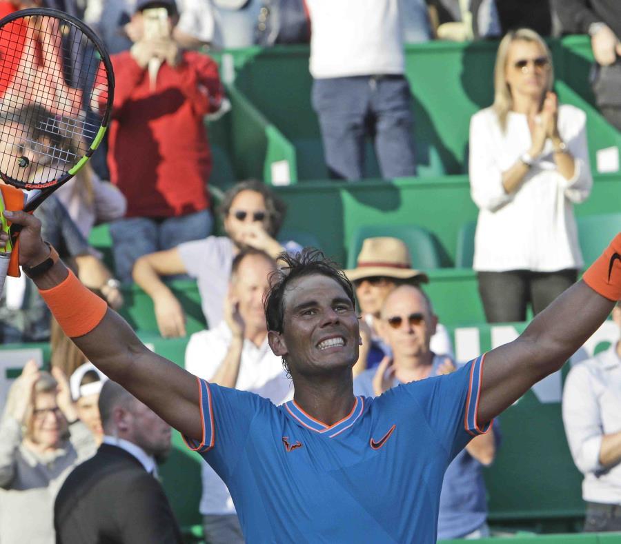Rafael Nadal celebra su victoria ante el argentino Guido Pella durante los cuartos de final del Masters de Montecarlo (semisquare-x3)