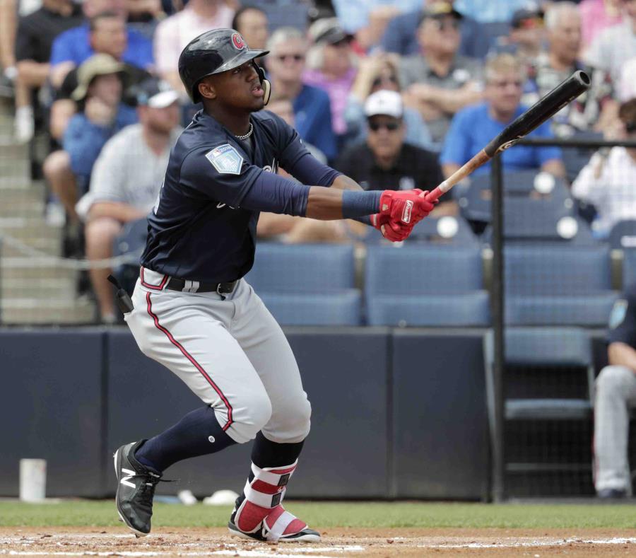 Giancarlo Stanton se estrenó con home runs en los Yankees