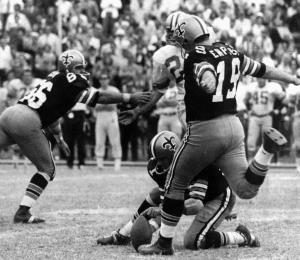 Fallece histórico pateador de la NFL tras complicaciones con el coronavirus