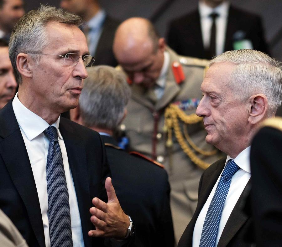 Los ministros de Defensa de la OTAN evalúan la amenaza rusa y su nuevo sistema de misiles. (semisquare-x3)