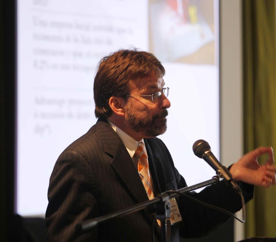 Vicente Feliciano, presidente de Advantage Business Consulting, coincide con las proyecciones de 0.3% de crecimiento económico que definió la JSF, aunque dicho número podría variar. (GFR Media) (semisquare-x3)