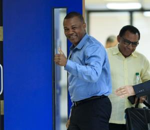 Sientan a Tito Trinidad a declarar en su caso contra Banco Popular