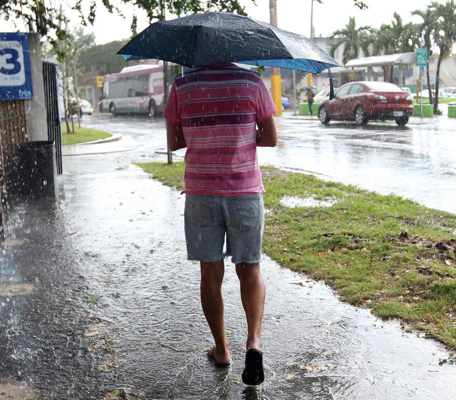 La cercanía de una vaguada y la dirección del viento contribuirán a que se formen aguaceros y tronadas en sectores del interior y norte de Puerto Rico. (GFR Media) (semisquare-x3)