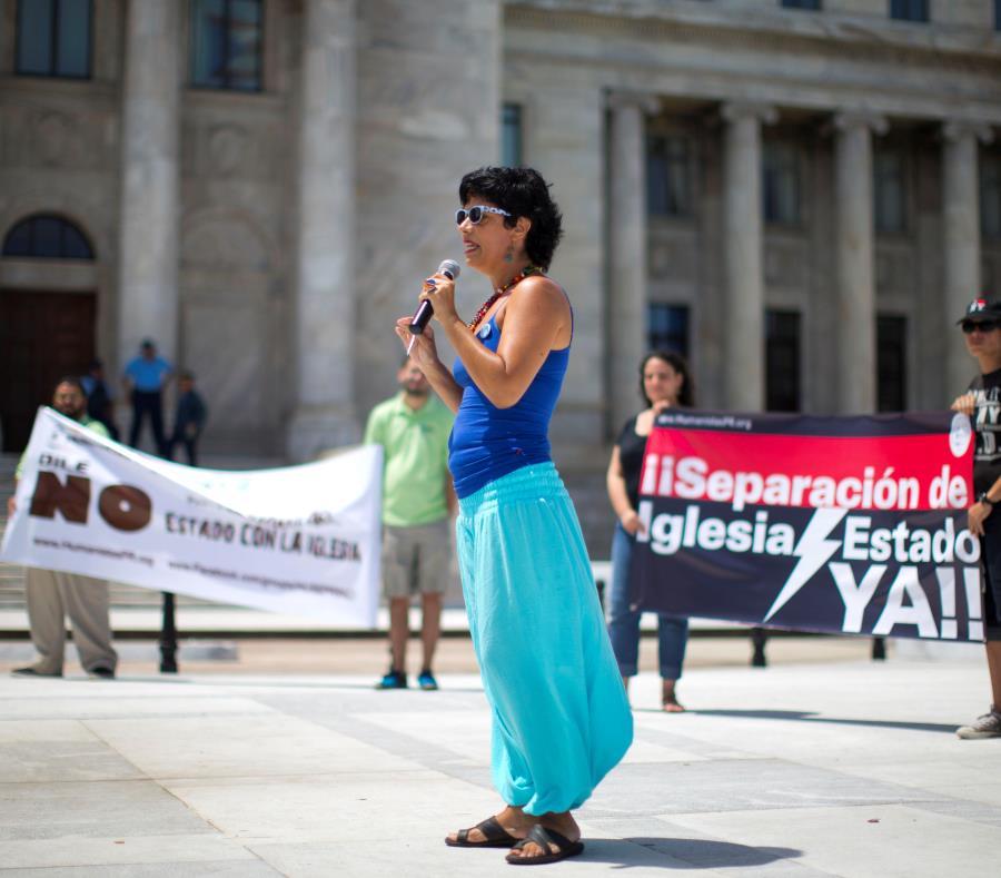 Un proyecto distinto de libertad religiosa fue aprobado por la Legislatura, pero el gobernador Ricardo Rosselló lo vetó. (semisquare-x3)