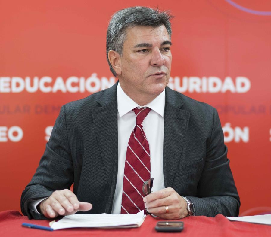 El alcalde de Isabela, Carlos Delgado Altieri (semisquare-x3)