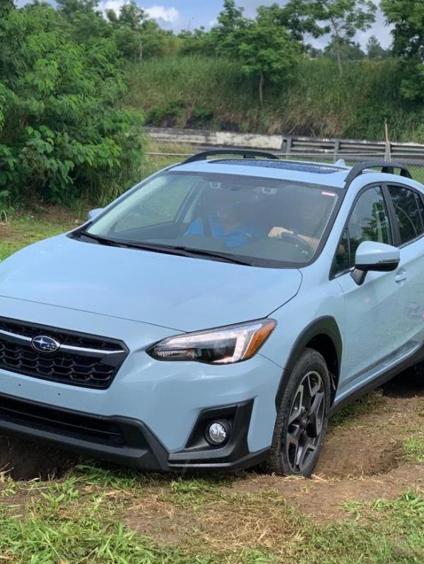En la demostración sobre terrenos con serias irregularidades todos los Subaru como esta Crosstrek quedaron con una rueda levantada en el aire pero su sistema SAWD se encargó de sacarlos del atolladero. (Suministrada)