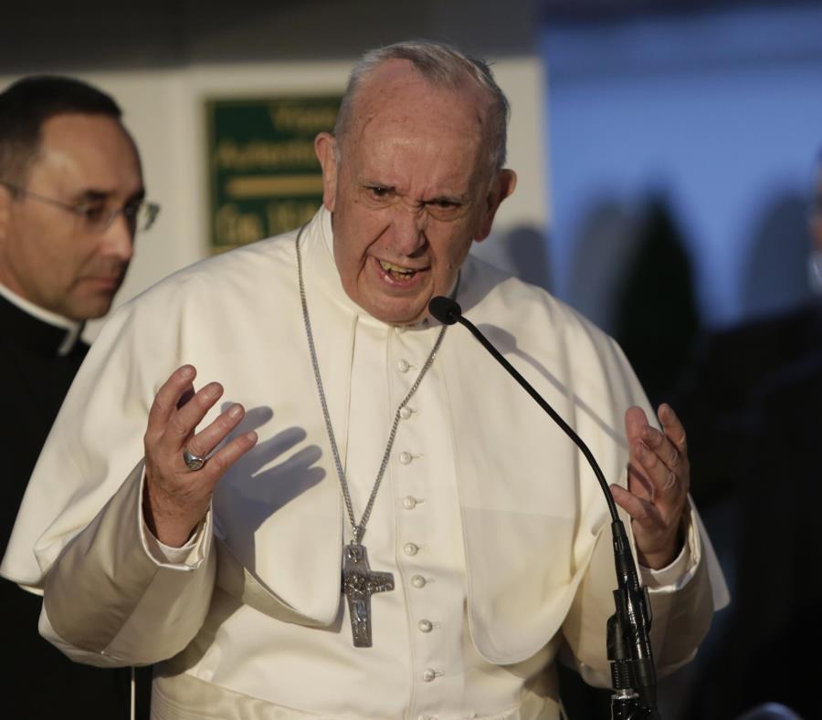 Los sectores ultraconservadores y tradicionalistas de la Iglesia católica intentan atacar a Francisco (semisquare-x3)