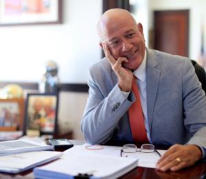 Seilhamer presenta proyecto para guiar la política energética de la isla