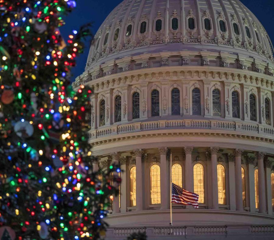 Mientras siguen las negociaciones entre republicanos y demócratas, no será hasta la noche del miércoles que la Cámara de Representantes vuelva a sesionar. (AP) (semisquare-x3)