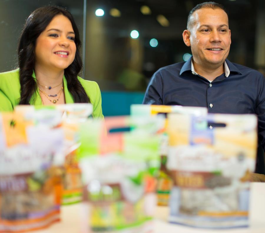 Carmen Ríos y Carlos Rivera llevaron Vivify al Fancy Food Show de N.Y. (semisquare-x3)