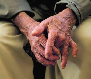 Vulnerables los adultos mayores