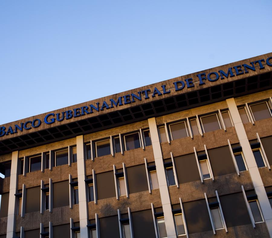 Fachada del Banco Gubernamental de Fomento en Minillas. (GFR Media) (semisquare-x3)