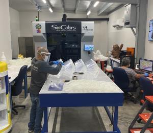 SunColors fabrica escudos faciales para proteger del COVID-19