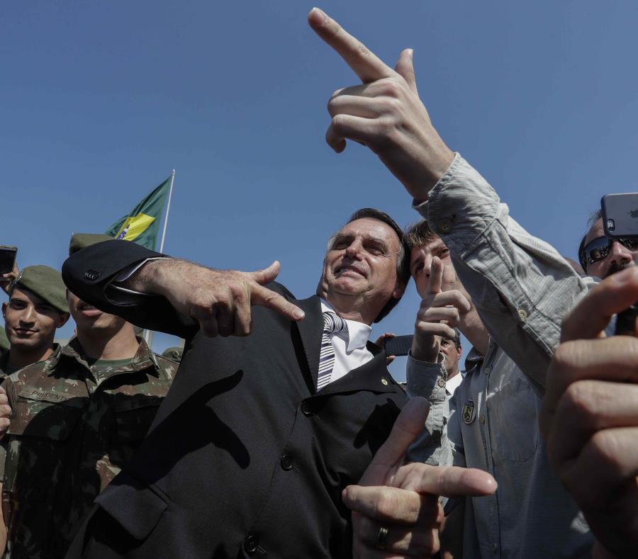 Jair Bolsonaro sumó a otro militar a su gabinet (semisquare-x3)