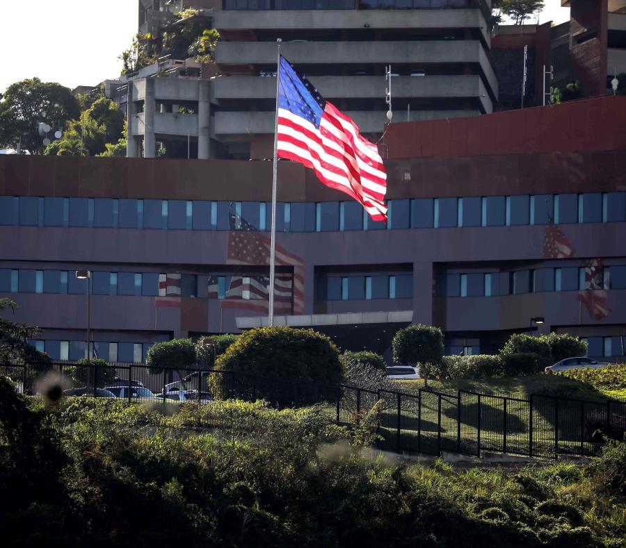 Vista externa de la Embajada de Estado Unidos este jueves, en Caracas (Venezuela). (semisquare-x3)