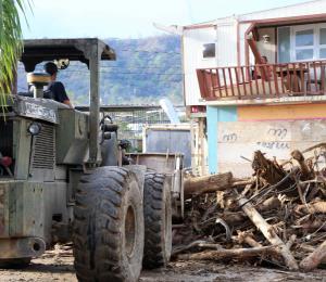 Puerto Rico se levanta (rá)