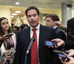 """Marco Rubio dice que Puerto Rico """"no debe sufrir por los errores de los políticos"""""""
