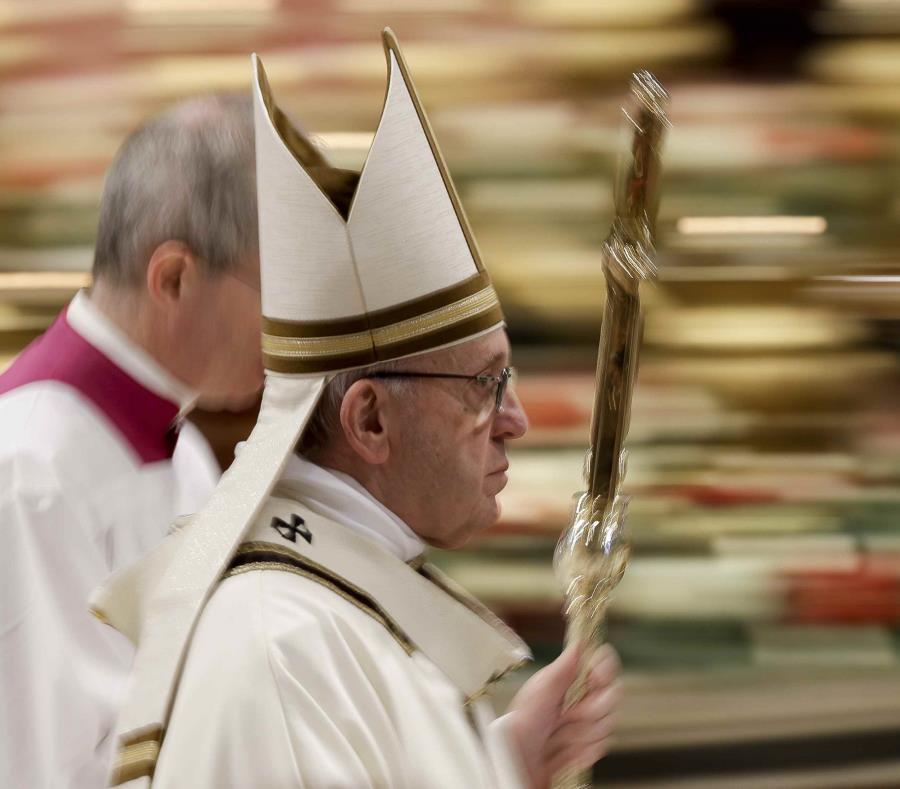 Papa Francisco pide a los padres no discutir frente a los hijos