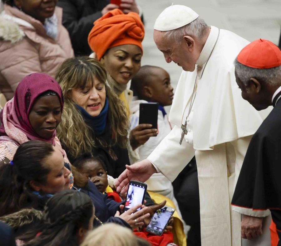 ¡Sorprende! Papa Francisco nombra a mujer en alto puesto en El Vaticano