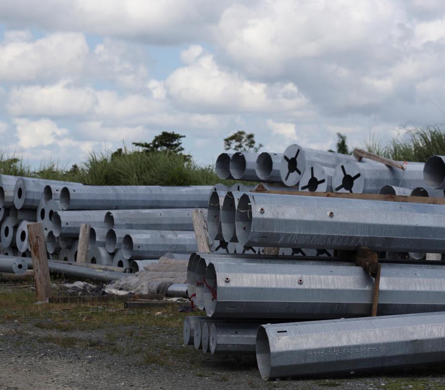 Tras el paso del huracán María, se cuestionó el abastecimiento de materiales de la Autoridad de Energía Eléctrica (semisquare-x3)