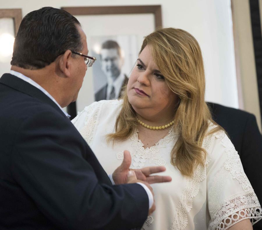 González anunció además la asignación de 3.8 millones de dólares por parte de la Agencia Federal de Proyección Ambiental en fondos que se destinarán a proveer ayudas en casos de desastres naturales (semisquare-x3)