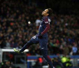 Neymar anota cuatro goles en paliza del PSG