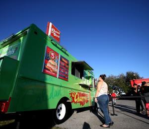 Comercios ambulantes acuden al Supremo para evitar cierre de sus negocios