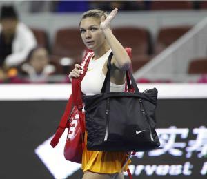 Simona Halep es la primera número uno en recibir el trofeo 'Chris Evert'