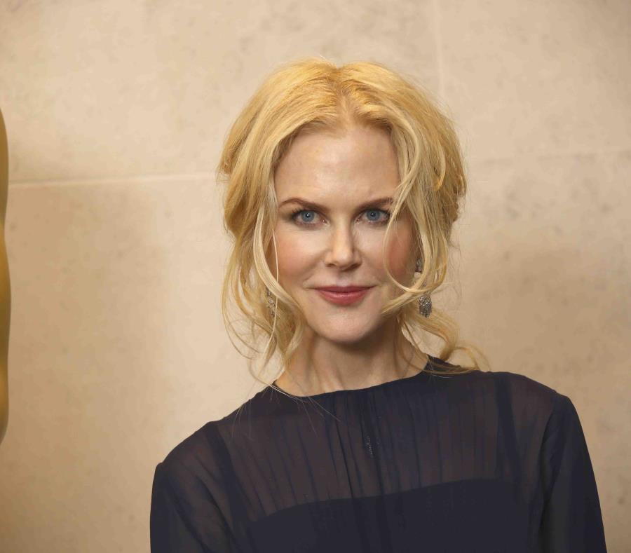 Nicole Kidman (semisquare-x3)