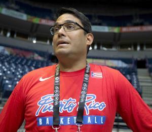 Yum Ramos aspira a otro término como presidente de la Federación de Baloncesto