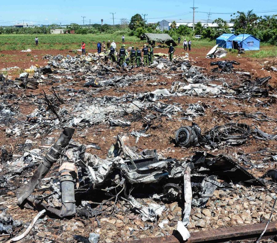El accidente aéreo dejo a 110 muertos (semisquare-x3)