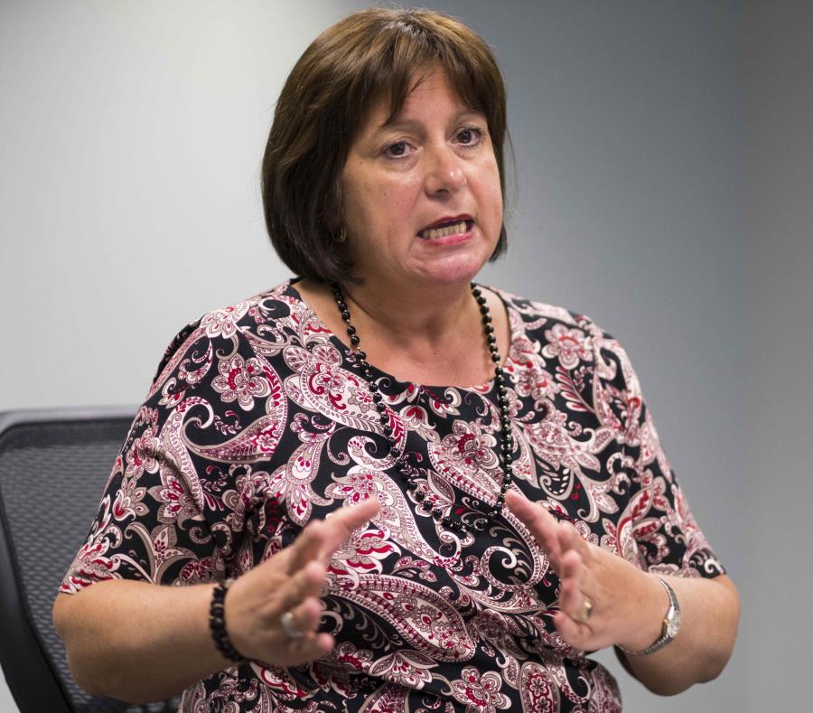 Natalie Jaresko, directora ejecutiva de la JSF, espera disipar, mediante el memorando, las dudas existentes sobre la implementación de las medidas incluídas en la reforma laboral. (semisquare-x3)