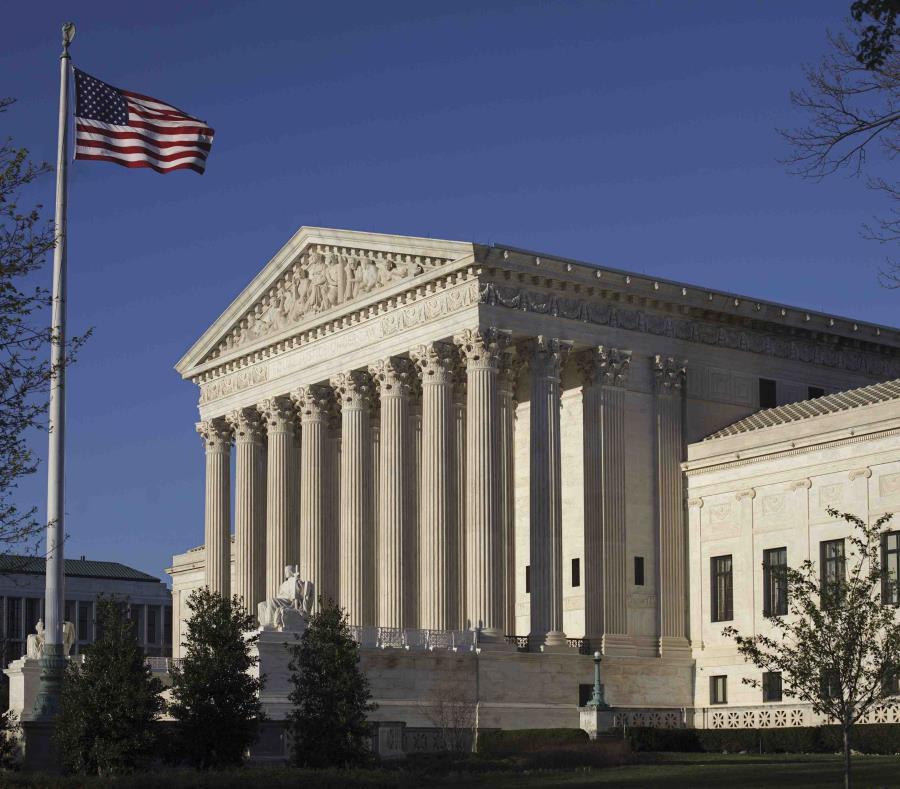 Los fallos podrían indicar si los jueces se están alejando de su tradición de otorgar al presidente y al Congreso amplia discreción en la forma en que manejan los menesteres migratorios. (semisquare-x3)